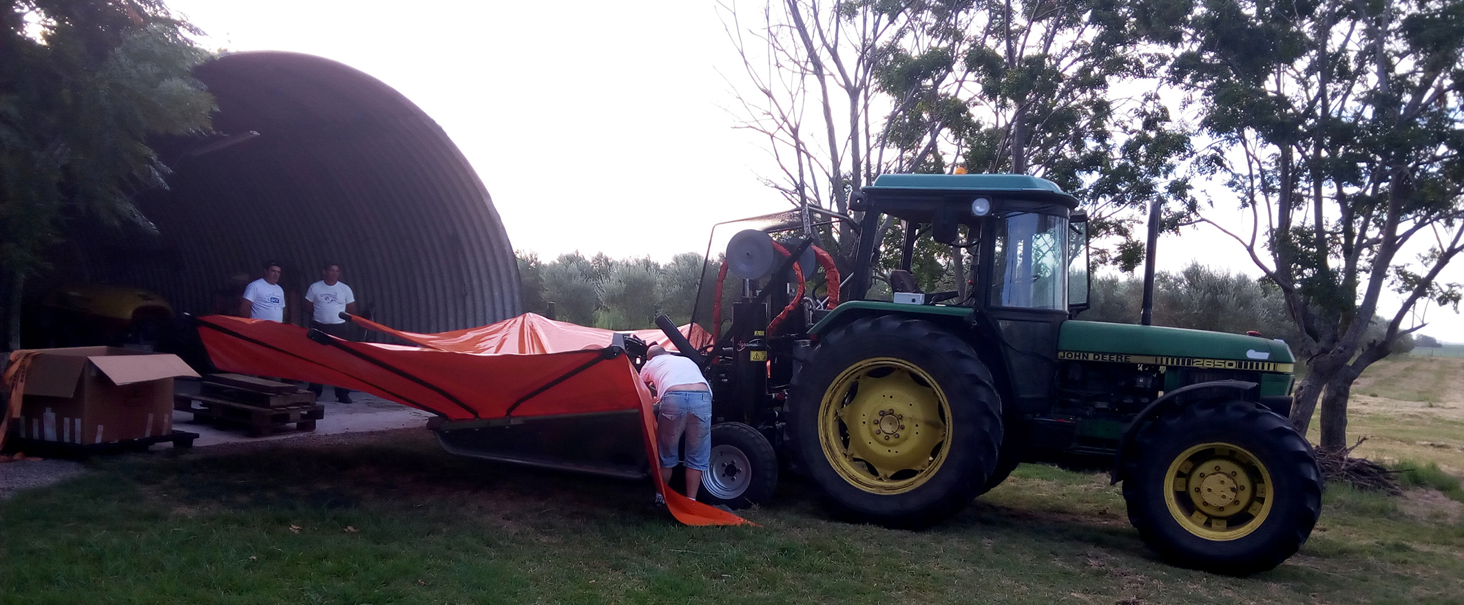 collecting_equipments_of_harvesting_in_uruguay